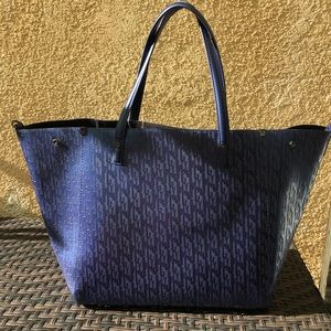 JUICY COUTURE Arlington Soft Navy Pearl Tote